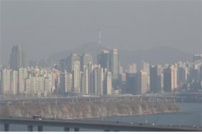 중국발 고농도 미세먼지로 10개 시·도 비상저감조치 발령