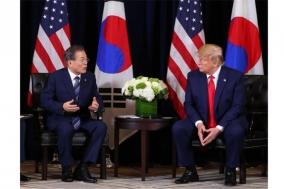 """한미 정상 """"北에 무력 행사 안 해…비핵화시 밝은 미래"""""""