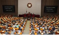 '코로나 3법' 국회 통과…감염 의심자 검사 거부시 벌금형