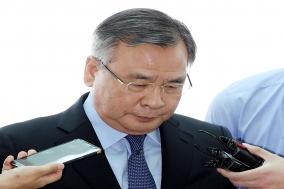 박영수 특검 사의 표명…수산업자 '포르쉐 의혹'에 책임